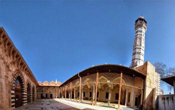 Adana Ulu Camii (Ramazanoğulları Camii)